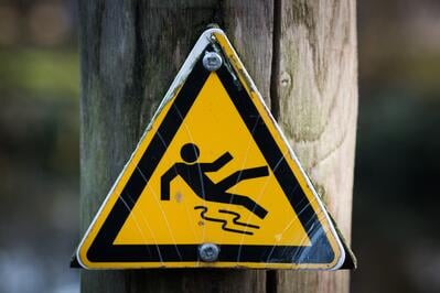 caution-sign-slippery-4341 (1)